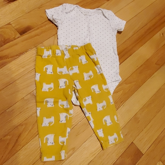 New NWT Carters Baby Newborn Infant Boys 2 piece short overall set yellow Monkey
